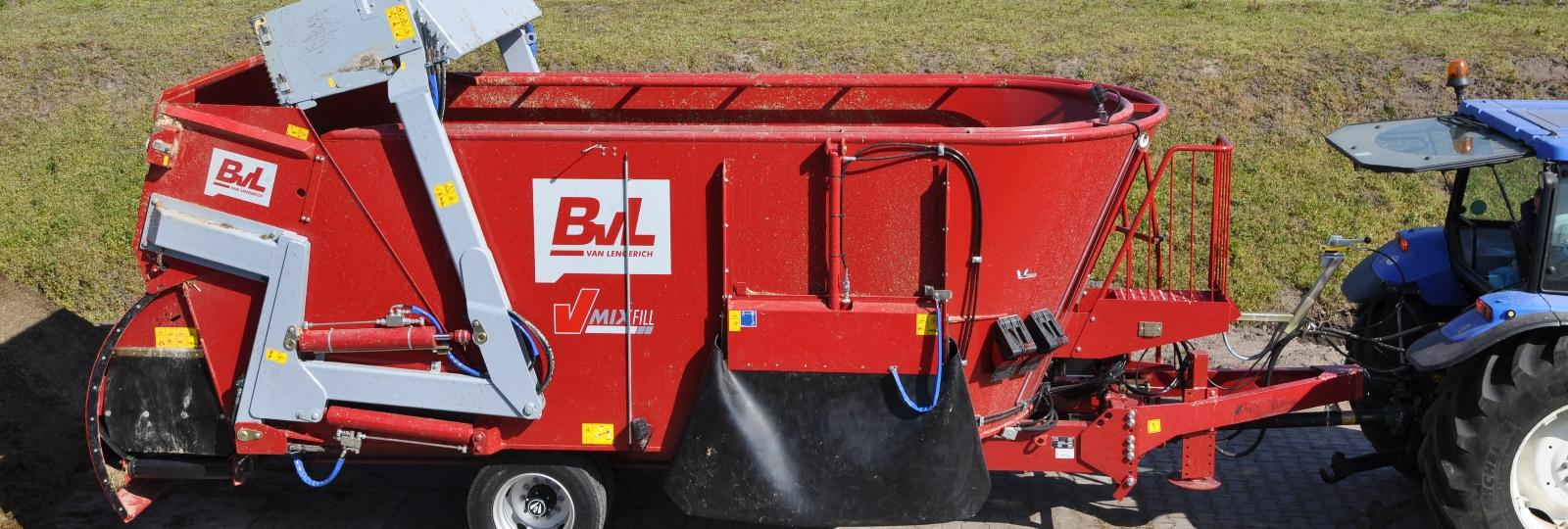 BvL Selbstlader V-MIX Fill LS an Silage