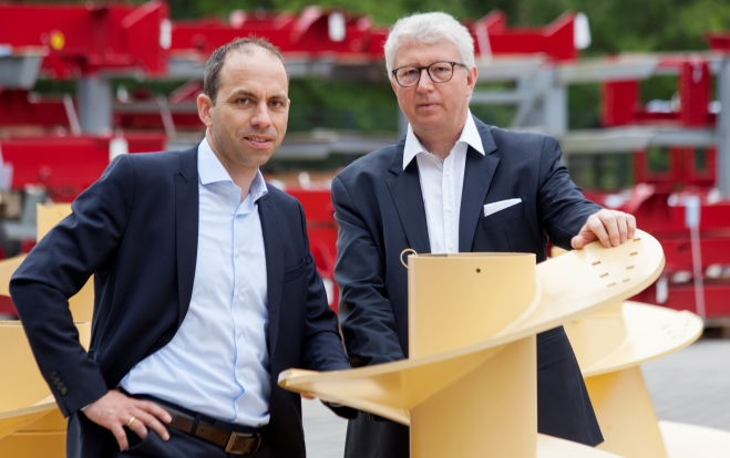 The 5th generation: Bernhard Sievering and Bernard van Lengerich join the parental company.